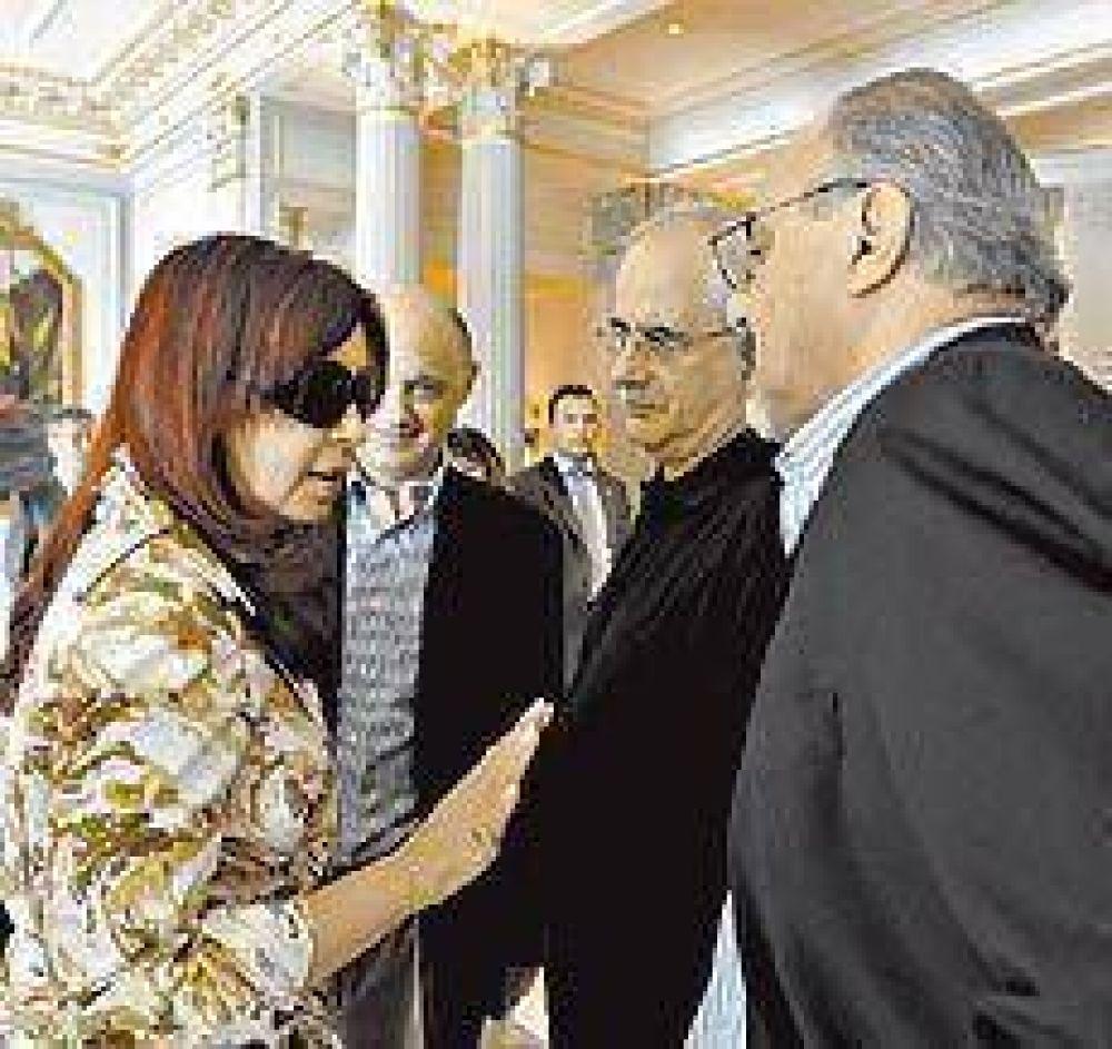 Cristina llegó a Ginebra: defenderá los subsidios para evitar los despidos