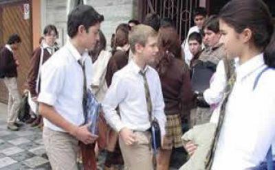 Desde Abril, aumentan las cuotas de los colegios privados