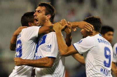 Vélez encontró en el final un triunfo que le costó más de lo pensado en la Copa Libertadores