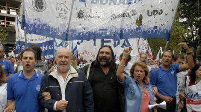 """Baradel al Gobierno de Scioli: """"Si no se resuelve el conflicto los vamos a ir a buscar por toda la Provincia"""""""