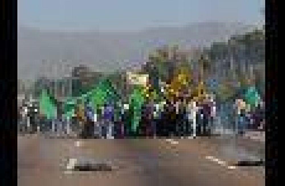 Día de huelgas, protestas y cortes de calle en reclamo de aumentos salariales en la provincia