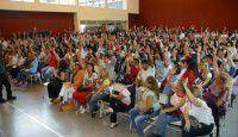 Profesores esperan llegar a la asamblea con una nueva propuesta del Gobierno