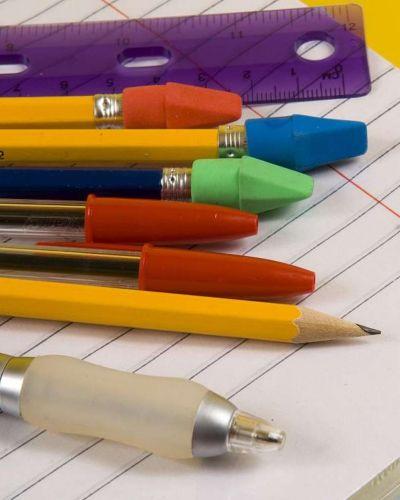 Prorrogan el acuerdo por el precio de útiles escolares