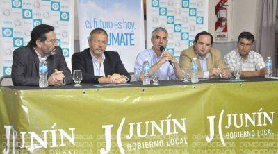 Acerca llega con telefonía e Internet a Agustín Roca