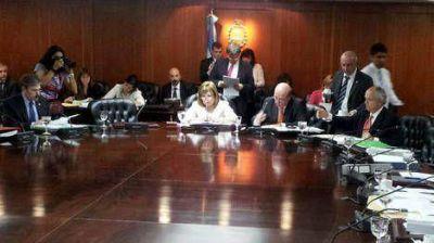 Citan a Oyarbide para que dé explicaciones por haber frenado el allanamiento a una financiera