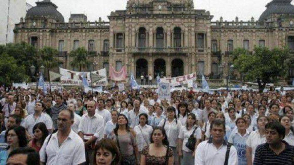 Gremios docentes convocaron a paro y movilización