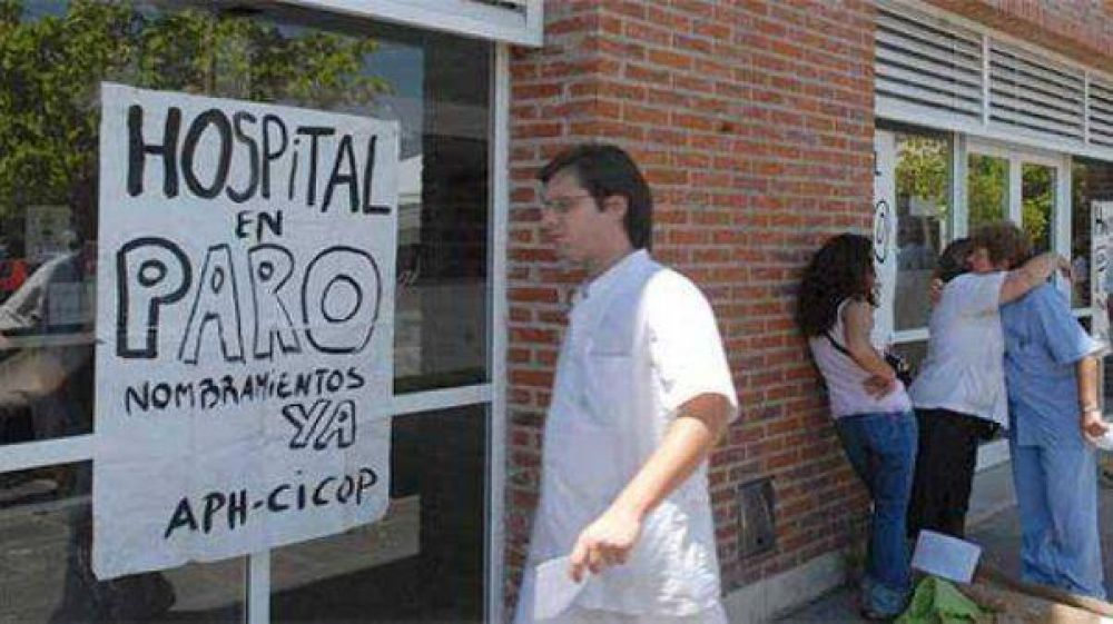 A dos frentes: médicos bonaerenses convocados a paritarias en La Plata