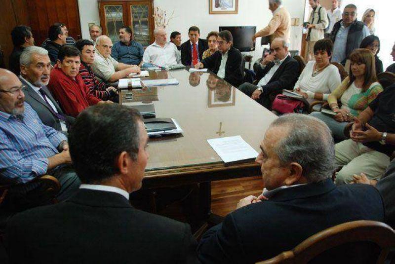 Jorge ofrece el 28% de pauta salarial en la paritaria: vuelven a reunirse el jueves
