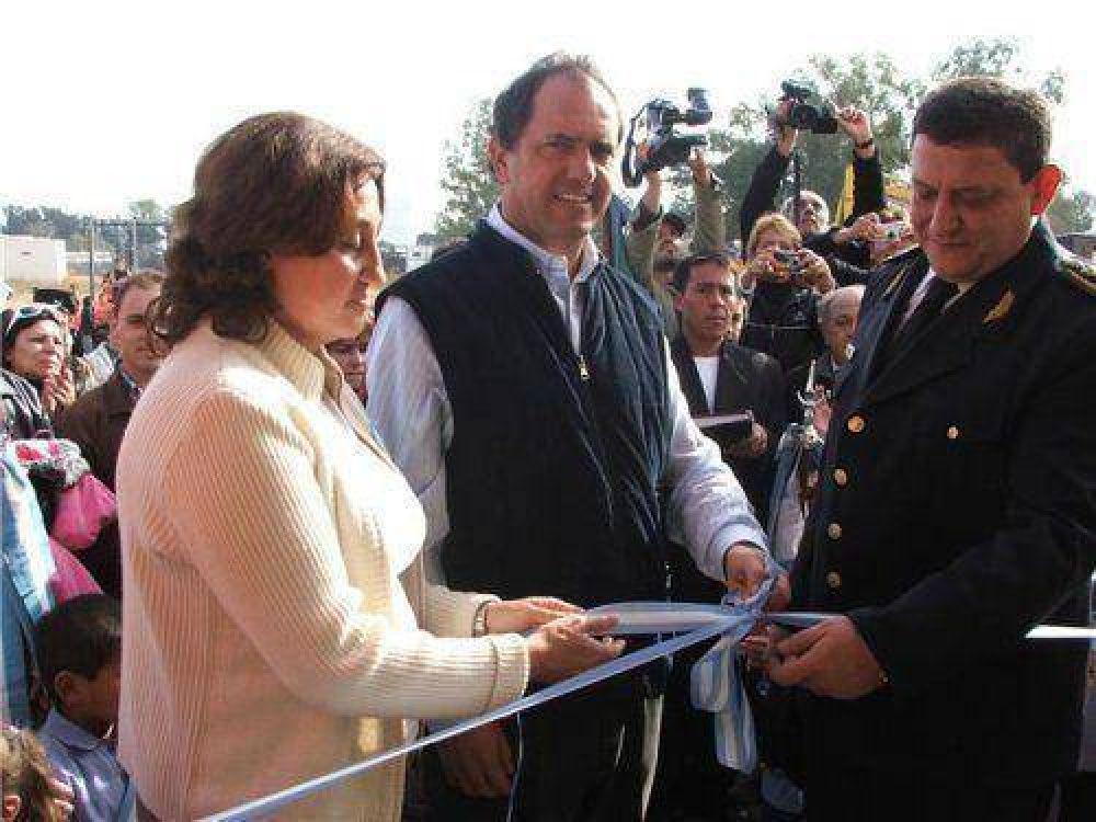 Scioli inauguró obras en Los Gallitos y visitó la Basílica