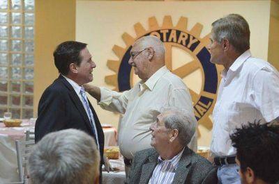 Díaz Pérez visitó el Rotary Club de Remedios de Escalada Oeste