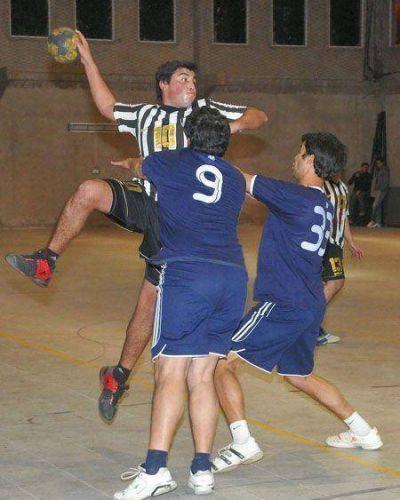 Se juega la Copa Aniversario de San Martín, de handball