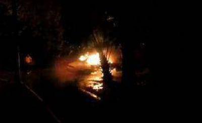 """Crece la preocupación por los """"quemacoches"""" en Tucumán"""