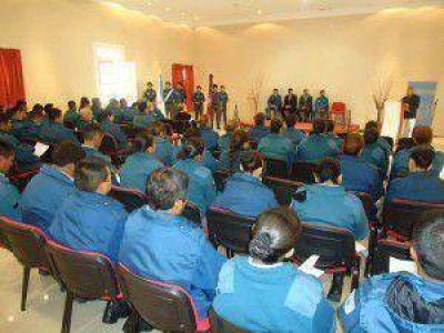 Personal Penitenciario se capacita en prevención de suicidio en ámbito penitenciario