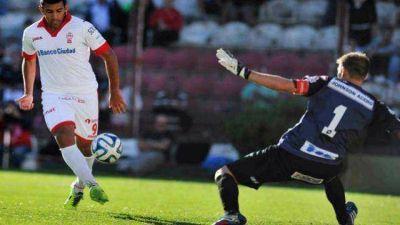 Patronato sufrió una dura derrota por 3 a 0 en su visita a Huracán