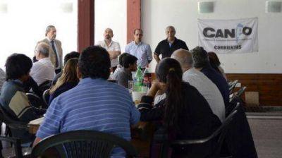 """La Comuna ratificó su apoyo al """"otro campo"""""""