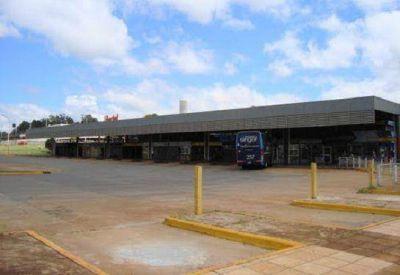 Falsos taxistas engañaron a una paraguaya y le sacaron 20 mil pesos