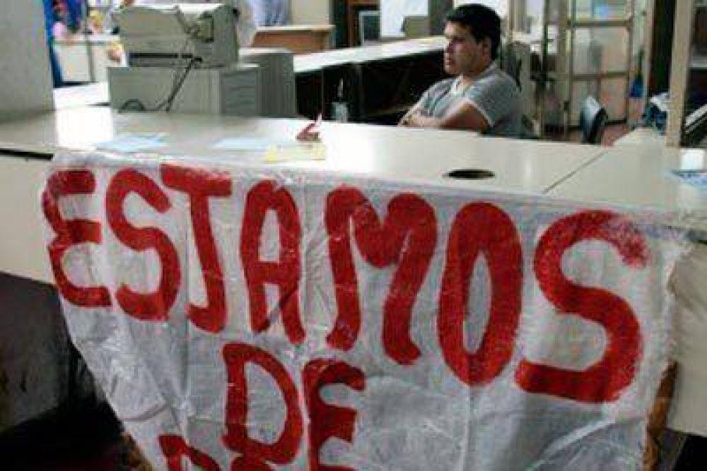 Gremios estatales intensifican el reclamo salarial con paros y movilizaciones
