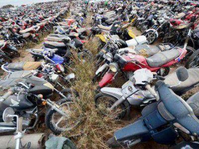 Asombroso abandono de motos en Neuquén