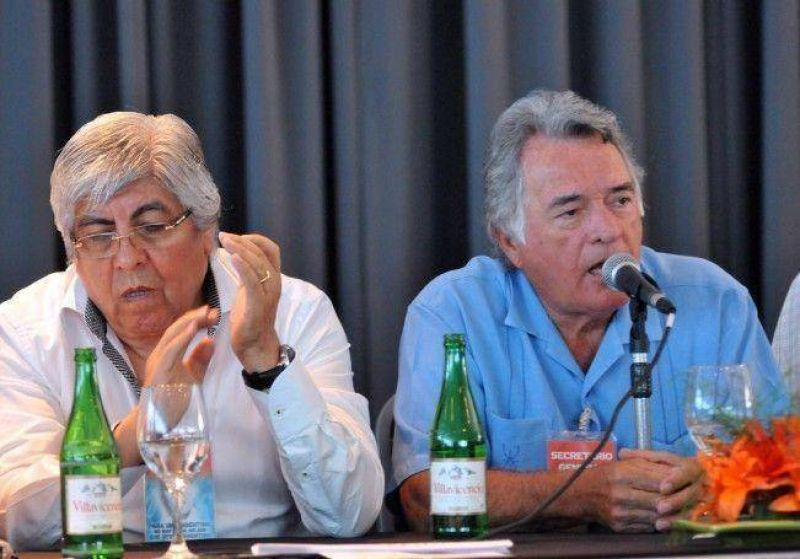 Las dudas de Moyano y Barrionuevo: no acordaron la fecha del paro nacional