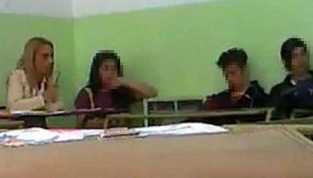 Luego del descargo de la profesora, evaluarán si corresponde sanción