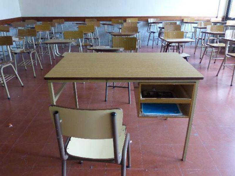Los docentes universitarios lanzaron un paro por 24 horas para el próximo viernes