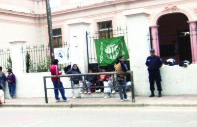 El Gobierno denunció la toma de escuelas