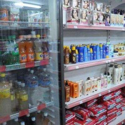 Farmacéuticos afirman que continuarán con la venta de comestibles