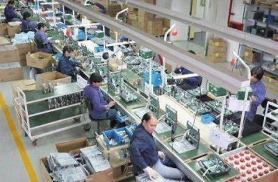 Fuerte déficit comercial dejó la fabricación de celulares