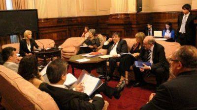 Verna pide licencia de celulares a cooperativas
