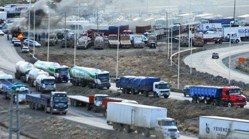 Camioneros negocia en Buenos Aires el bono de $12 mil para sus operarios del petr�leo