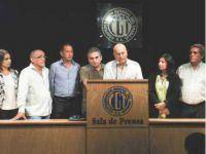 Moyano y Barrionuevo van al paro sin acto ni movilización