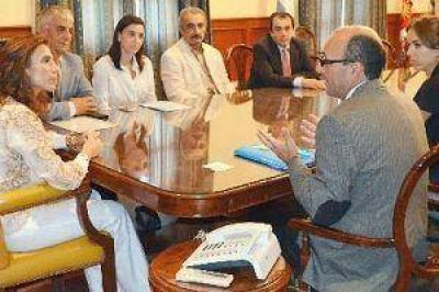 Representantes de Unicef visitaron a la gobernadora y acercaron propuestas de trabajo hacia la ni�ez