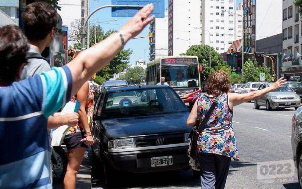 Colectiveros paran en Mar del Plata hasta las 6