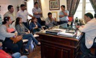 2 mil PIL municipales reclamaron $300 de aumento salarial