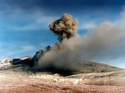 Volc�n Copahue: la columna de gases lleg� a los 600 metros