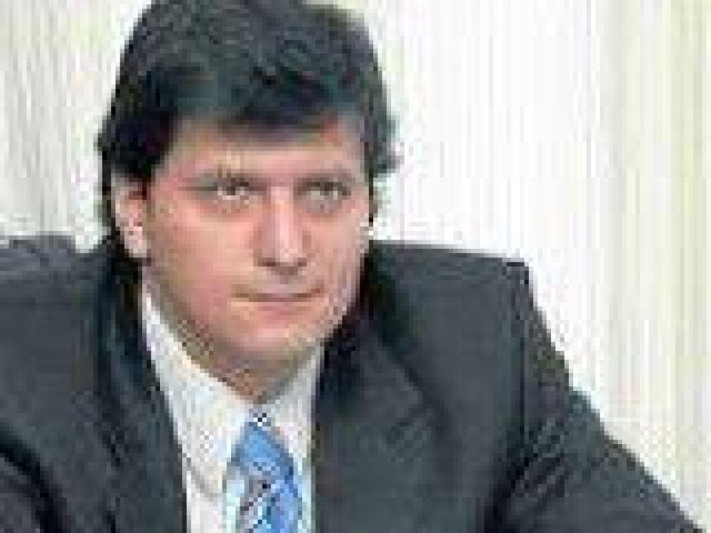 Mauricio Gómez Bull asumió como presidente de la comisión de Deportes.