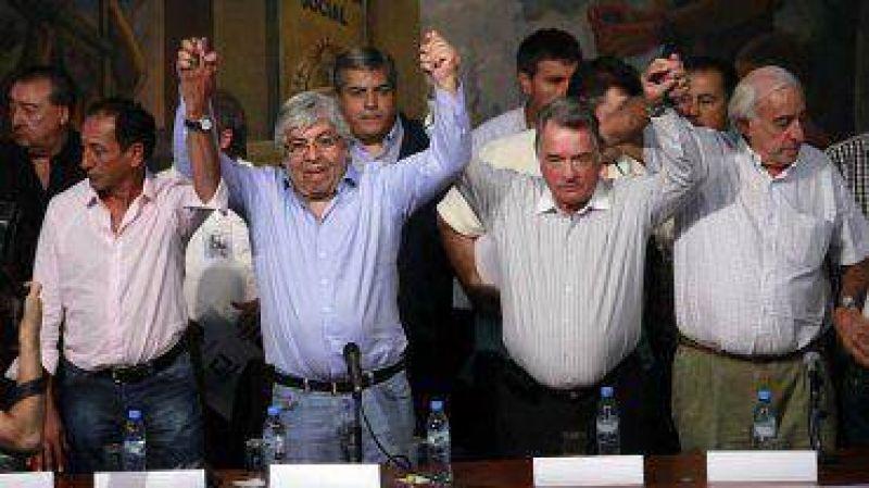 """""""Trabajadores, �nanse"""": gremios opositores convocan al paro con una fuerte campa�a publicitaria"""