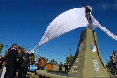 Inauguraron el monumento a Raúl Alfonsín