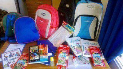 UTHGRA entregó material escolar para sus afiliados