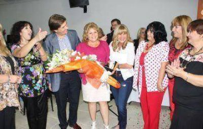 """A�da premi� a una t�cnica de f�tbol como """"mujer solidaria"""" del 2014"""