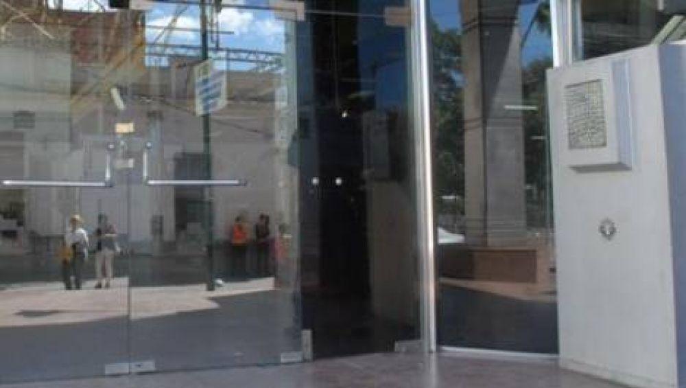 Empleados del Banco de la Nación iniciaron el paro