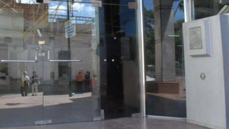 Empleados del Banco de la Naci�n iniciaron el paro