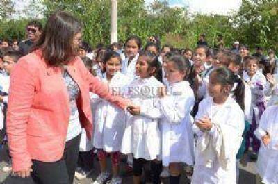 Lucía inauguró una nueva escuela en Londres