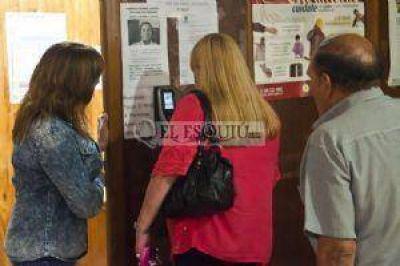 Moreno suspendió las planillas y obligó a todos los empleados a cumplir horario