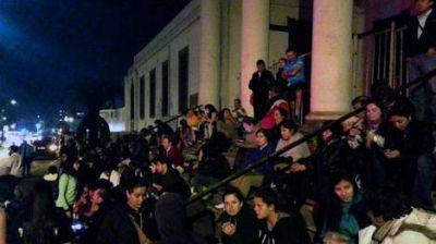 Cancelan la alerta de tsunami en Chile y elevan a seis la cifra de muertos
