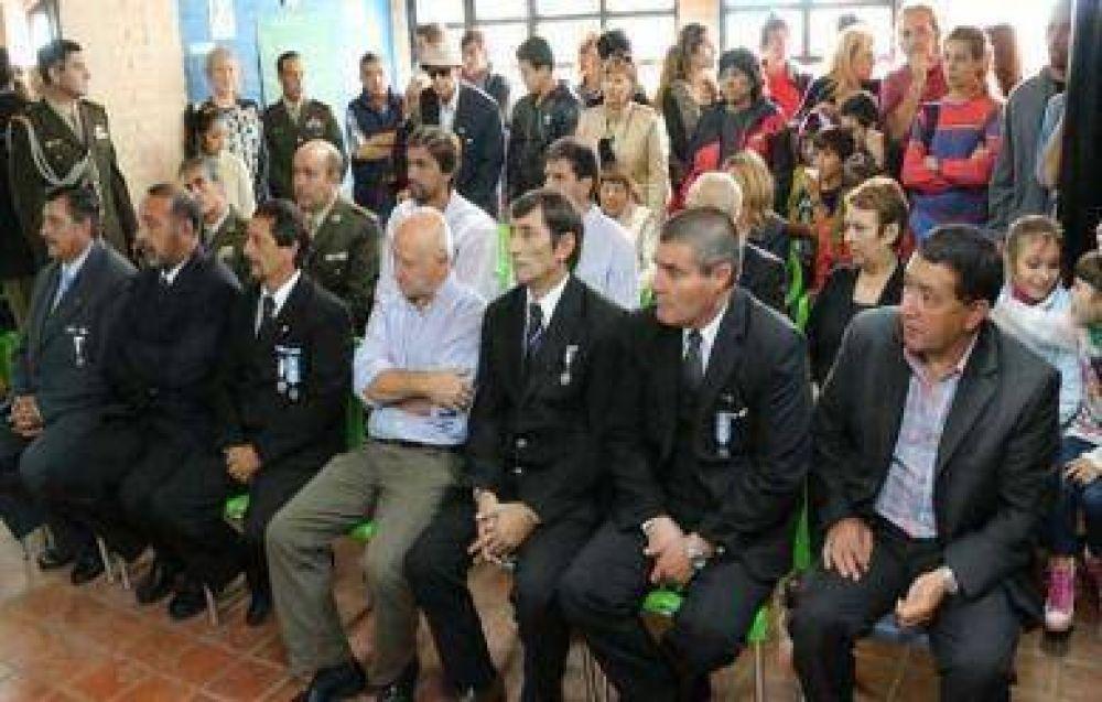 Con afecto, el Partido Justicialista también hizo sus homenajes por Malvinas