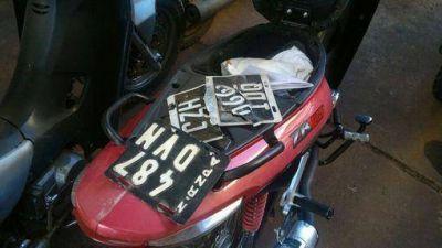 En control secuestran m�s de quince motocicletas sin documentaciones
