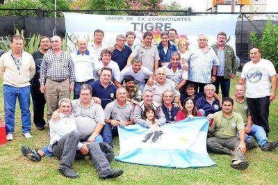 Zamora compartió almuerzo de camaradería con ex combatientes
