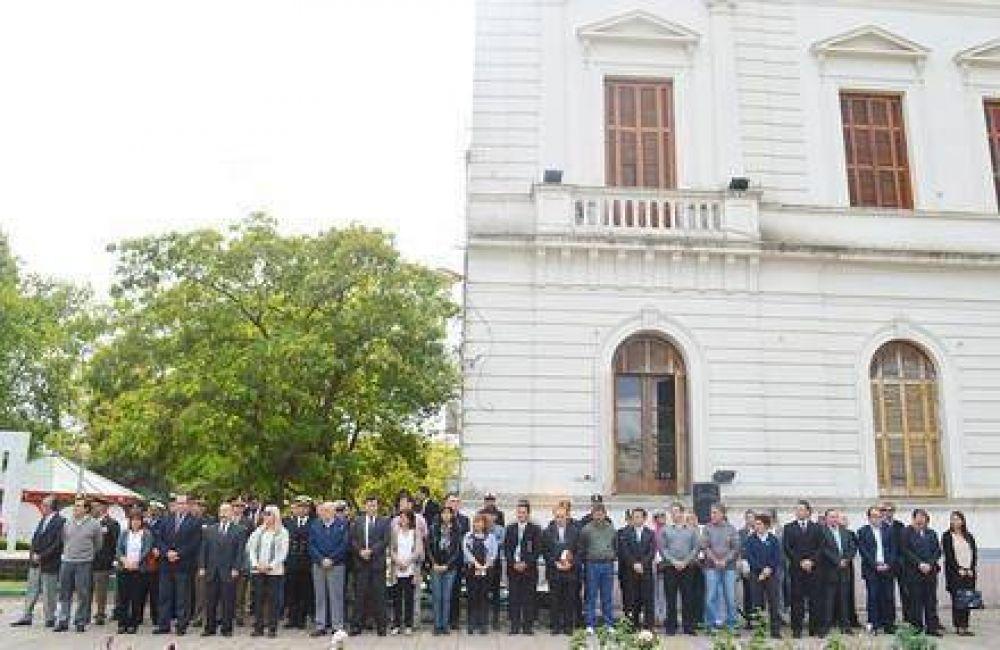 Inza encabezó el acto en homenaje por los caídos en Malvinas