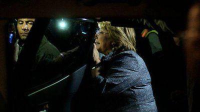 Bachelet debió ser evacuada a una zona segura